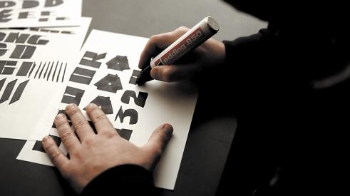 Edding850 Font drawing