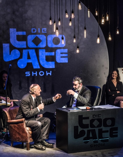 Die Too Late Show stage