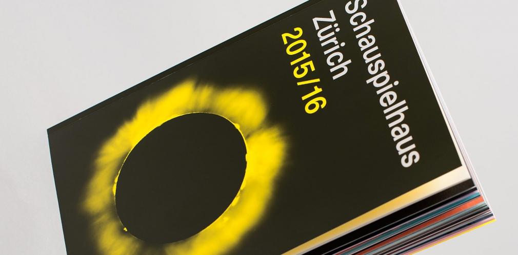 Schauspielhaus Zürich Season 15/16 Book cover